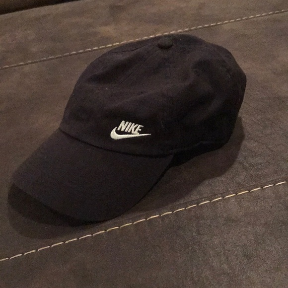 174278dfc4c Women s black nike hat. M 5b3e2c8cfe5151f4fdcc071b. Other Accessories ...